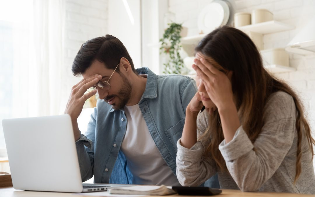 How to manage financial stress and negative effects on your relationship